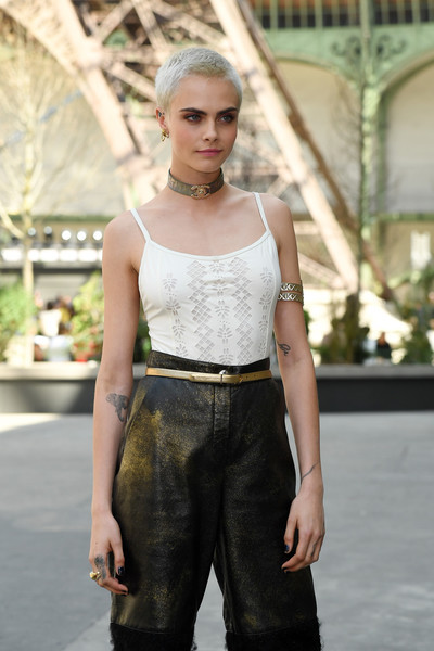 Cara+Delevingne+Chanel+Photo+Call+Paris+Fashion+AhOnwcMUdCXl